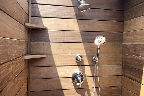 Outdoorshower1